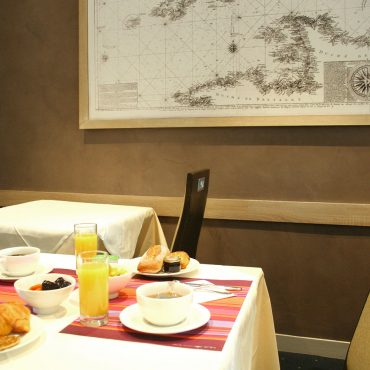 hotel petit déjeuner