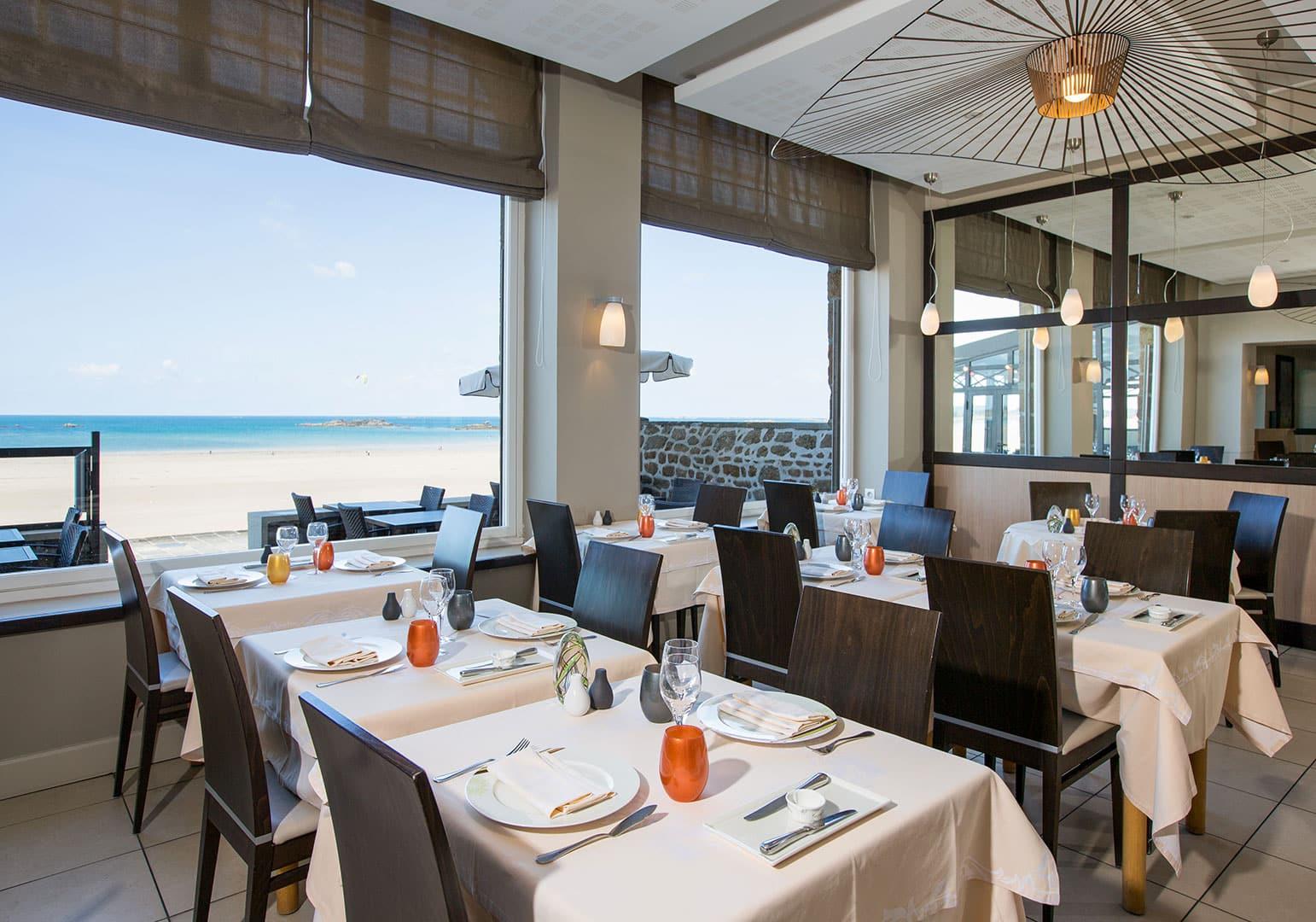 Salle du restaurant Antinéa