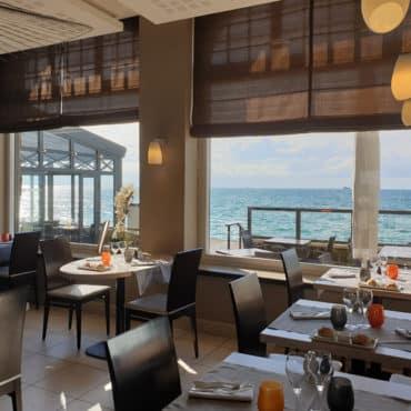 Offir un repas au restaurant Antinéa